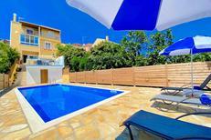 Vakantiehuis 1607655 voor 9 personen in Karousades