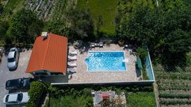 Ferienwohnung 1609099 für 5 Personen in Supetarska Draga