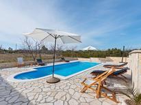 Ferienhaus 1610560 für 6 Personen in Benkovac