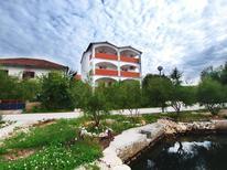Appartement 1611408 voor 3 personen in Jadrtovac