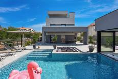 Ferienhaus 1613593 für 5 Erwachsene + 1 Kind in Zadar
