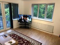 Appartement 1615126 voor 4 personen in Woking