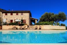 Vakantiehuis 1617463 voor 11 personen in San Severino Marche