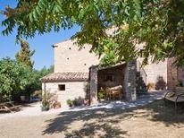 Ferienhaus 1619030 für 13 Personen in Acqualagna