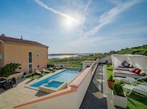 Appartement de vacances 162381 pour 4 personnes , Dinjiška