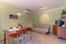 Appartement 1621949 voor 4 personen in Martinscica