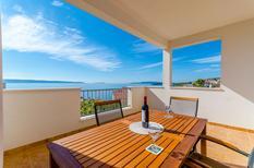 Appartement 1622303 voor 5 personen in Okrug Gornji
