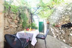 Ferienwohnung 1622345 für 3 Personen in Stari Grad