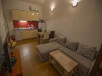 Appartement 1622353 voor 6 personen in Starigrad-Paklenica