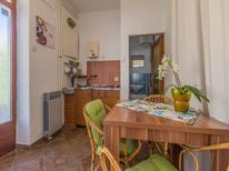Ferienwohnung 1622480 für 3 Personen in Crikvenica