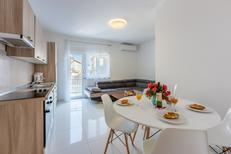 Ferienwohnung 1622496 für 5 Personen in Crikvenica