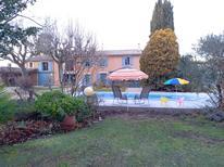 Ferienhaus 1623888 für 4 Personen in Le Thor