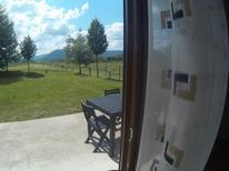 Ferienwohnung 1624333 für 4 Personen in Irinovac