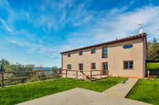 Vakantiehuis 1627988 voor 16 personen in Pescaglia