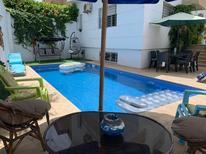 Ferienhaus 1628466 für 8 Erwachsene + 2 Kinder in Harhoura