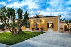 Ferienhaus 1629410 für 8 Personen in San Corrado di Fuori