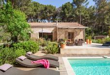 Ferienhaus 1629444 für 8 Personen in Pernes-les-Fontaines