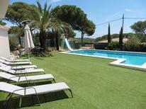 Vakantiehuis 1630940 voor 8 volwassenen + 2 kinderen in l'Escala