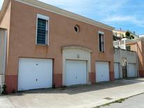Ferienhaus 1631172 für 4 Personen in Martigues