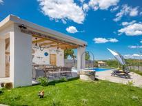 Ferienhaus 1634883 für 8 Personen in Momjan