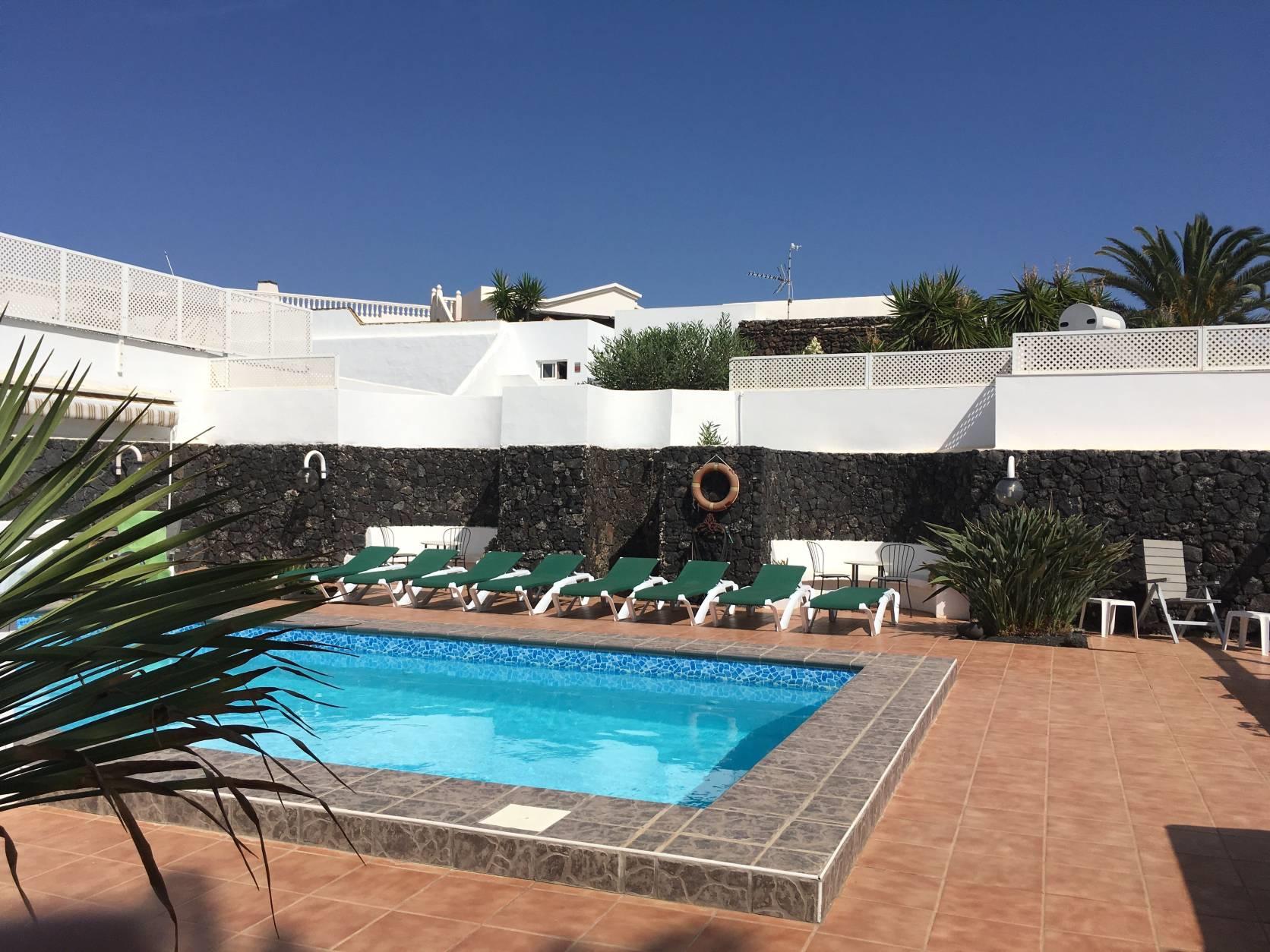 Ferienhaus mit Privatpool für 8 Personen ca.    Lanzarote