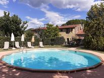 Ferienwohnung 1636781 für 9 Personen in Castellina Marittima
