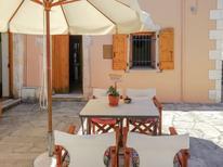 Villa 1637275 per 4 persone in Provarma