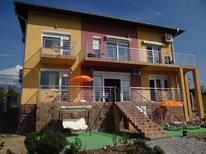Ferienhaus 1638893 für 8 Personen in Strumyani
