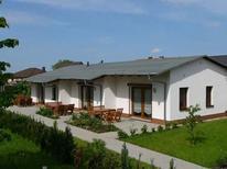 Ferienwohnung 1639543 für 5 Personen in Neuendorf