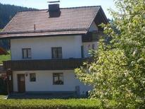 Vakantiehuis 1639866 voor 8 volwassenen + 2 kinderen in Neukirchen