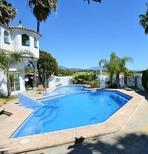 Ferienwohnung 1643892 für 6 Personen in Estepona