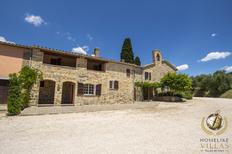 Casa de vacaciones 1648087 para 14 personas en Deruta