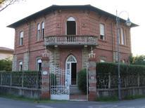Ferienhaus 1648186 für 10 Personen in Marina di Pietrasanta