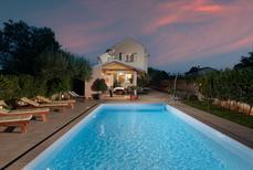 Casa de vacaciones 1648405 para 6 personas en Debeljak