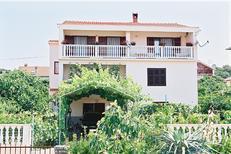Ferienwohnung 1649326 für 5 Personen in Zadar
