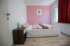 Appartement 1649501 voor 4 personen in Promajna