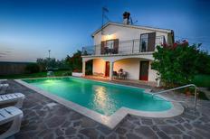 Casa de vacaciones 1650044 para 10 personas en Červar-Porat