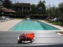 Maison de vacances 1651593 pour 5 personnes , Poreč