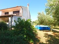 Appartement 1652596 voor 10 personen in Šišan