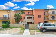 Appartement 1652646 voor 4 personen in Stinjan