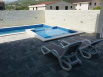 Holiday apartment 1655598 for 5 persons in Cesarica