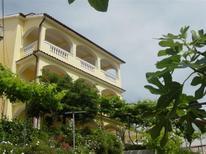 Vakantiehuis 1656866 voor 4 personen in Lopar