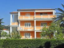 Appartamento 1657237 per 6 persone in Rab