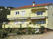 Mieszkanie wakacyjne 1657327 dla 4 osoby w Rab