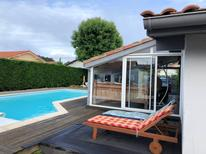 Holiday home 1660996 for 10 persons in Tarnos