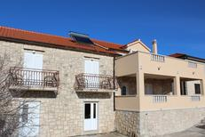 Appartement 1662356 voor 4 personen in Donji Humac