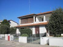Ferienwohnung 1669871 für 5 Personen in Lido delle Nazioni