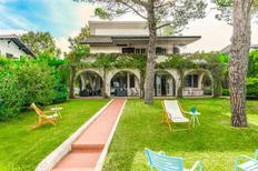 Holiday home 1669918 for 10 persons in San Costanzo