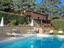 Holiday apartment 1670381 for 4 persons in Cortona