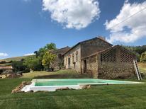 Vakantiehuis 1671289 voor 12 personen in San Vito di Narni